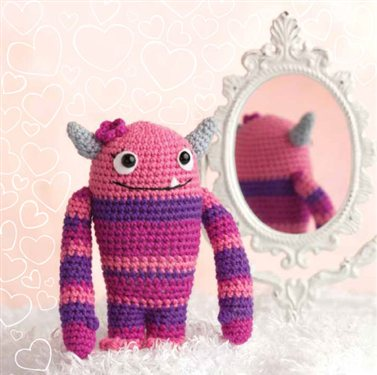 Join the Crochet Me Amigurumi crochet-along for 2012 – Get the free pattern for February – this week only