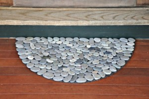 natural-looking-diy-rock-doormat-1-500x332