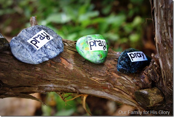 Teach Me to Pray – 8 Prayer Crafts for Children