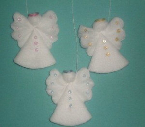Creative-Ideas-–-DIY-Cotton-Pad-Angel-Christmas-Ornaments-5
