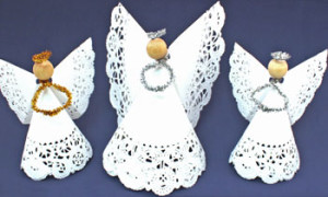 Easy-Angel-Crafts-Doily-Paper-Angel-three-finished-horizontal