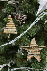 diy-twig-and-wire-christmas-ornament-4